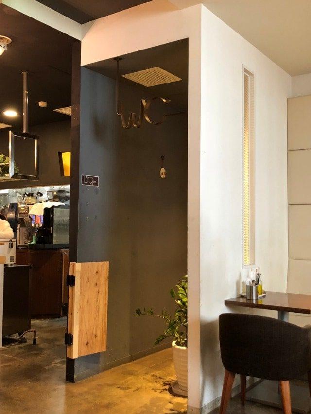 名古屋市天白区【COTTONY(カトニー)】内観 トイレ入り口
