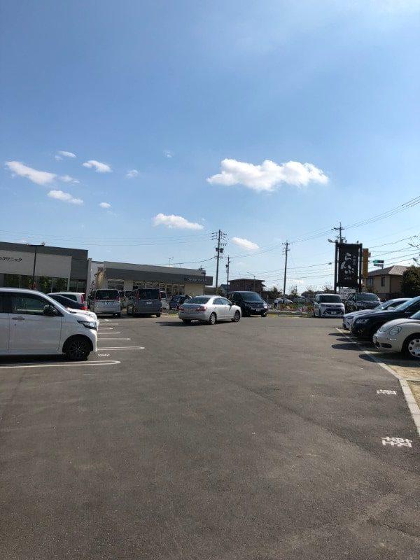 名古屋市天白区「珈琲屋らんぷ天白店」の駐車場