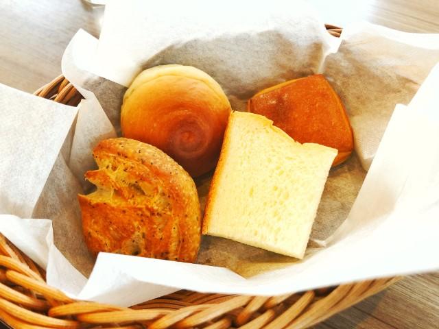 Large (ラルジュ)ランチ パン
