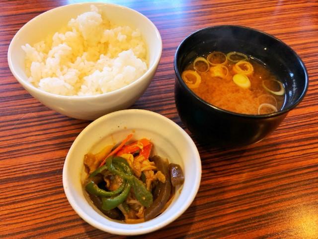 名古屋市天白区平針カフェ【るぱん】ランチ ごはん、みそ汁、付きだし