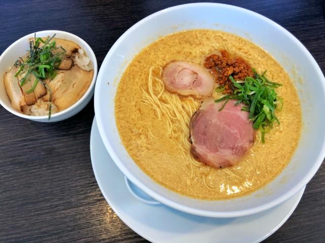 平針ラーメン【八麺山(はちめんざん)】たまご醬々麺 焼豚丼セット