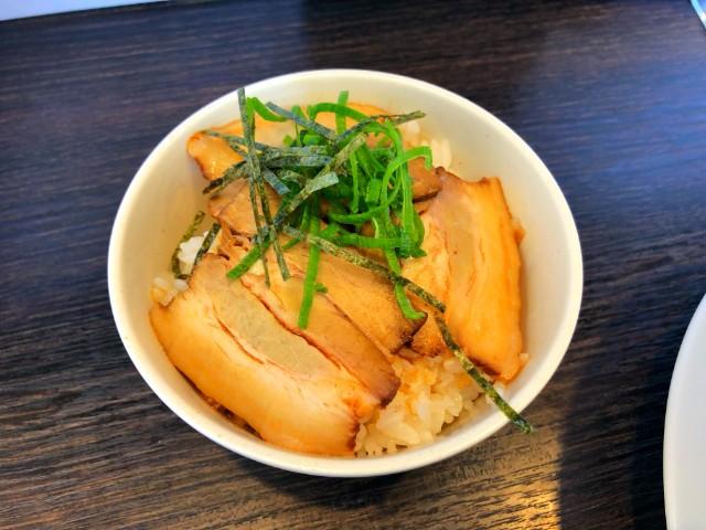 平針ラーメン【八麺山(はちめんざん)】焼豚丼