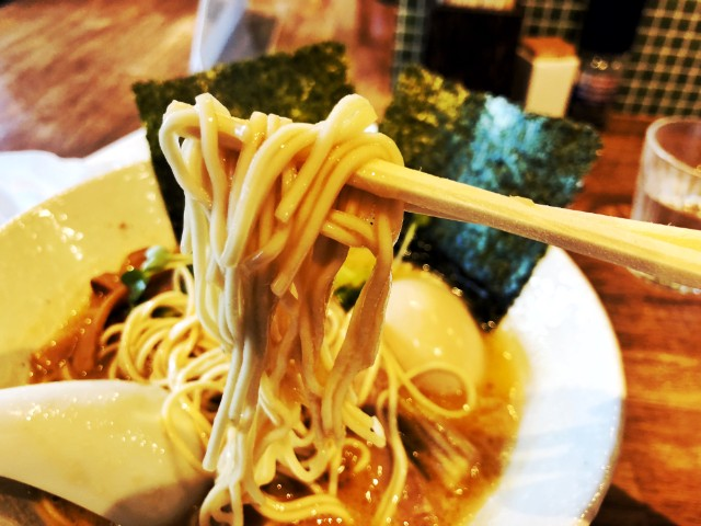 天白区平針ラーメン【montana(モンタナ)】ラーメン 細麺