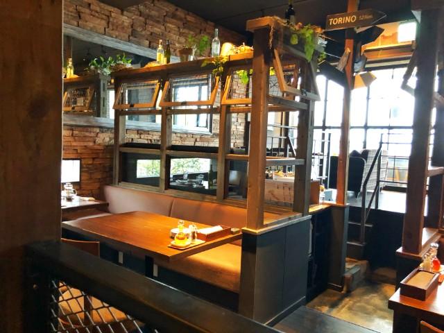 平針試験証周辺おすすめカフェ【KAMINOKURA 436 TERRACE(カミノクラ436テラス)】内観