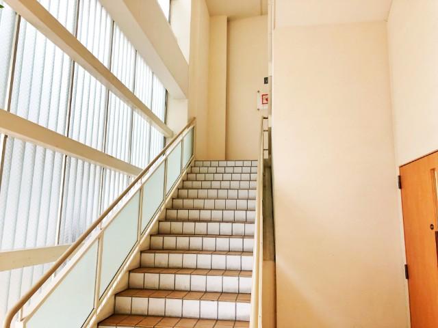 名古屋覚王山【AL Fortuna(アルフォルトゥーナ)】階段