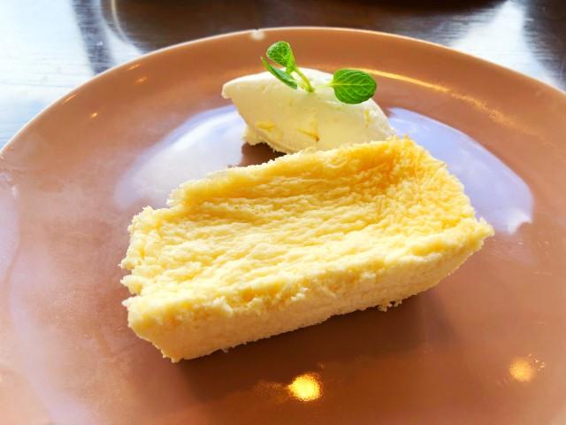 覚王山カフェ【ジクー】低糖質チーズケーキ2
