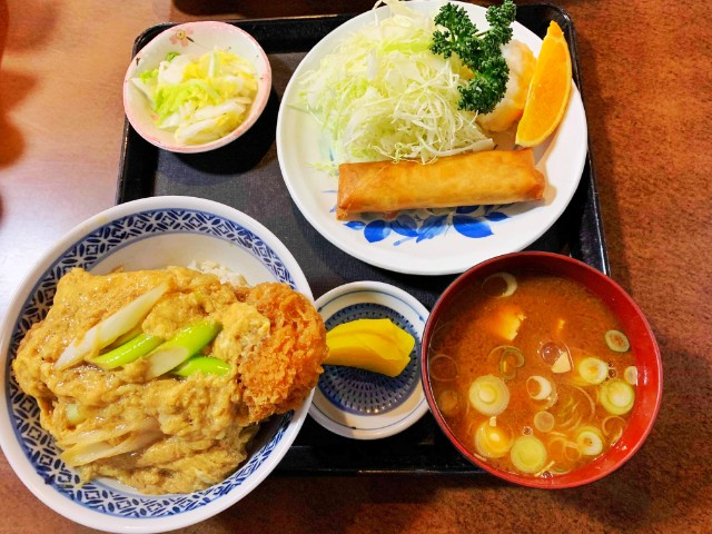 覚王山ランチ【たまや】かつ丼定食