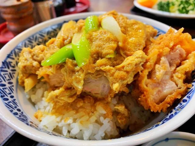 覚王山ランチ【たまや】かつ丼2