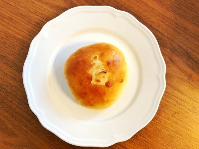名古屋覚王山パン【Unjour(アンジュ―ル)】うみたてたまごのクリームパン1