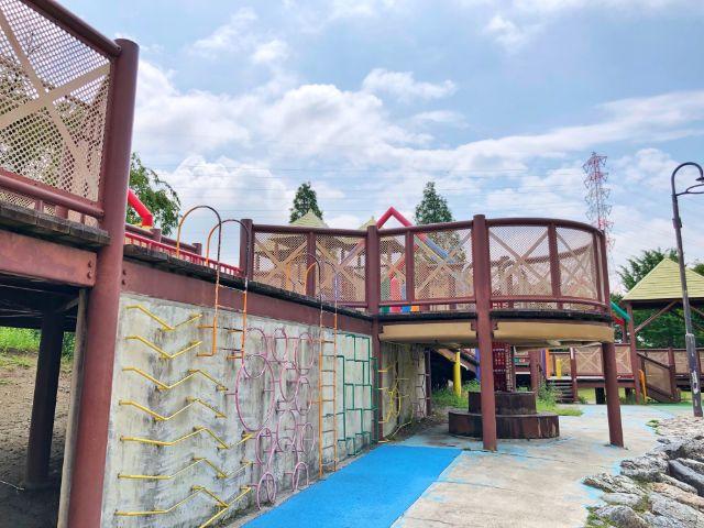 【とだがわこどもランド(戸田川緑地)】大型木製遊具5