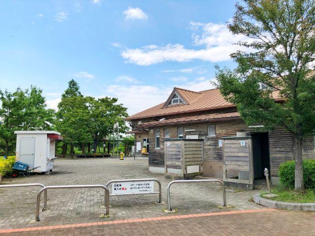 【とだがわこどもランド(戸田川緑地)】サービスセンター1