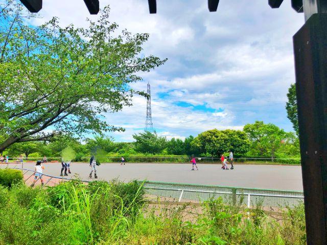 【戸田川緑地】インラインスケート練習風景